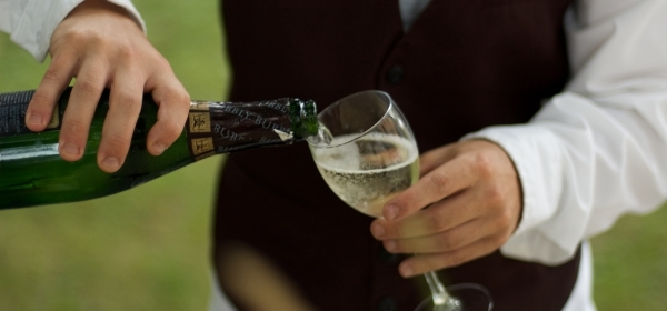 Firmado el convenio de Restaurantes, bares y cafeterías de La Rioja, con subidas salariales del 8% hasta 2021