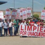 """Las trabajadoras de limpieza de Altadis exigen a Ferrovial """"una salida digna"""" tras el cierre de la Tabacalera"""