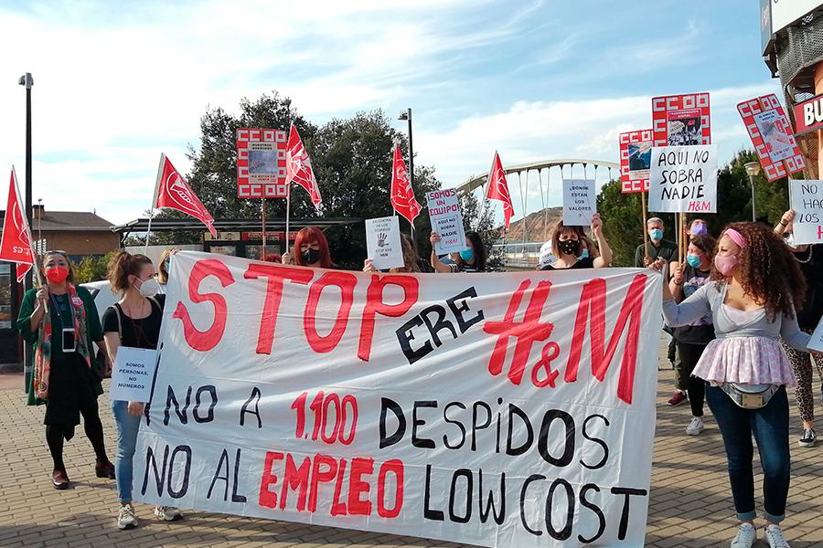 Las trabajadoras de H&M en La Rioja se concentran contra el ERE en una convocatoria de UGT y CCOO